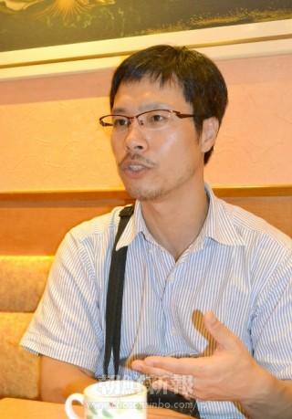 写真家・安世鴻さん(撮影=盧琴順)朝鮮新報 「写真展で日本軍性奴隷制を宣伝し日本政府から金を取りたい」