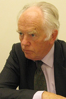 オックスフォード大学ウェード・アリソン名誉教授