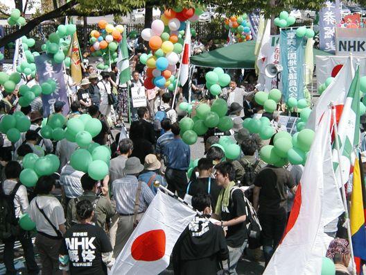 HK1000人抗議デモ!NHKがスタジオパーク行き京王バスを入場阻止!これって犯罪だろ!悪逆、暴虐、極に達す!【東京 6・20 NHK「JAPANデビュー」に抗議する国民大行動・第3弾】