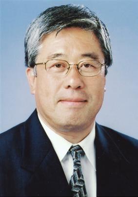 豊田 皓(とよだ こう、1946年4月28日 - )は、フジ・メディア・ホールディングス代表取締役社長およびフジテレビジョン代表取締役社長