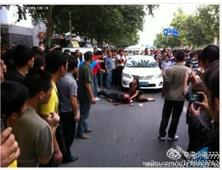 日本車を運転していた中国人が日本人と勘違いされ、反日デモたいに半殺しにされる