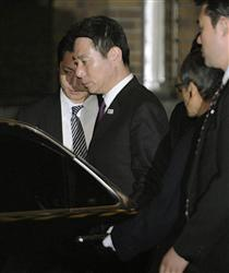 前原誠司外務大臣は、韓国人から違法献金を受け取っていた責任を取って3月6日の夜に外相を辞任した