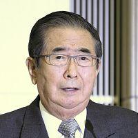 記者会見で辞職を表明した石原都知事(25日午後3時、都庁で)=関口寛人撮影