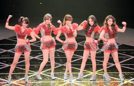 東方神起、KARA、少女時代の3組が出場した2011年の「NHK紅白歌合戦」