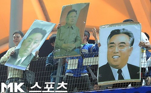 【台湾vs韓国】戦で目に付いたのは、スタンドで応援する台湾人たちの韓国に対する敵意むき出しのプラカードの数々だった