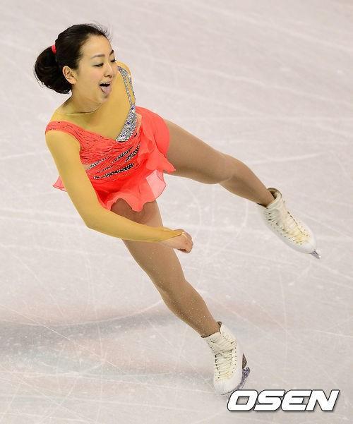 3月15日の読売新聞の夕刊に使われてた浅田真央の写真