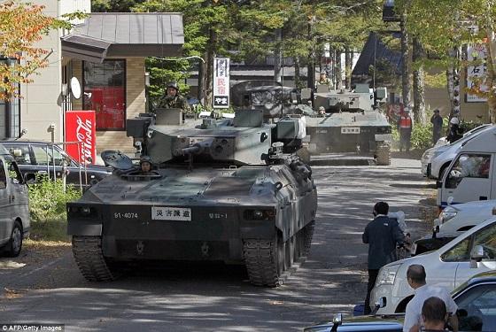 海外メディアの方が100倍詳しく報道してる。解説も充実してるし、写真を見てるだけでも様子がわかる。日本のメディアはマジでクソ。イギリス・デイリーメール。 この他にも自衛隊やレスキューの活躍する写真多数あり