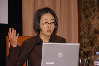東大大学院教授 林香里