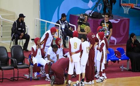 バスケットボール女子でヒジャブ禁止でカタール代表が試合を放棄