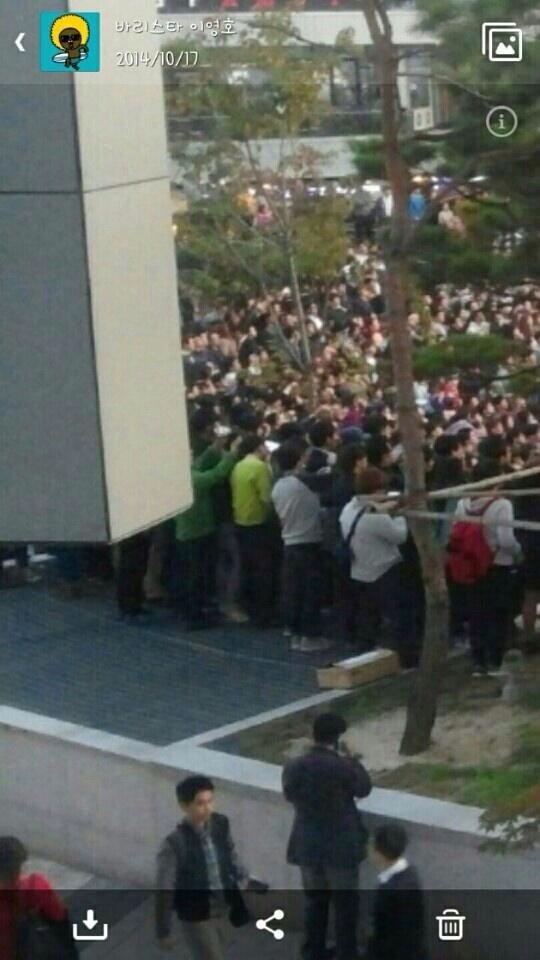 直前の画像韓国 野外コンサートで事故 16人死亡