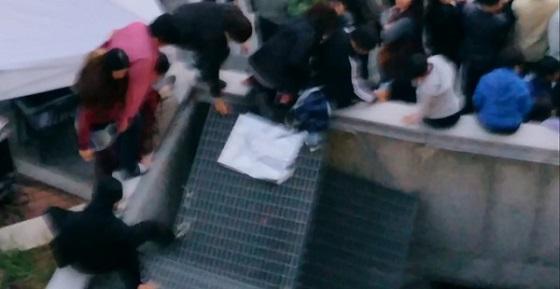 韓国 野外コンサートで事故 16人死亡