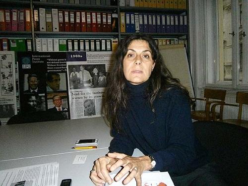 インタビューに応じるIPIのトリオンフィ女史(2014年10月22日、IPI事務所で撮影)