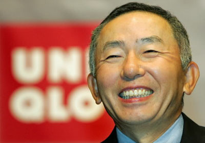 ファーストリテイリング代表取締役会長兼社長(ソフトバンク社外取締役)の柳井正は、日本の立場を蔑ろにする言動を繰り返し行ってきた。