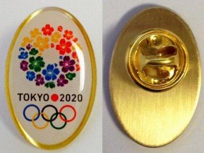 東京五輪の特製バッジ