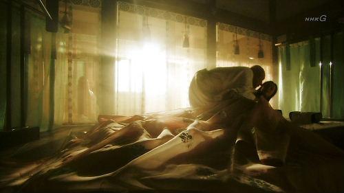 歴代天皇は極悪人?NHK大河「平清盛」で白河法皇や鳥羽上皇が超極悪人として描かれ、天皇の血統を「物の怪の血」と表現!皇室を「王家」と連呼する以上に問題