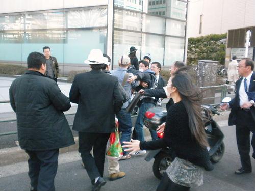 2012.4.8韓国は竹島から即刻出て行けin新大久保~新宿 乱闘