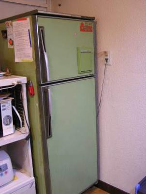 旧型冷蔵庫