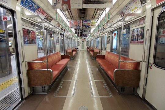 20111126_osaka_city_subway_23-in01.jpg