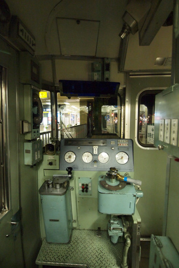 20111224_meitetsu_6000-cab01.jpg