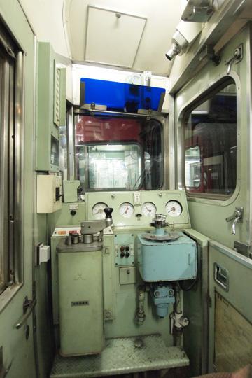 20111224_meitetsu_6600-cab01.jpg
