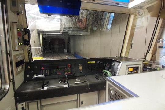 20120630_osaka_subway_21-cab01.jpg