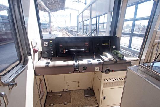 20120819_osaka_subway_66-cab01.jpg