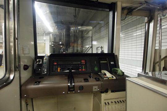 20120826_osaka_subway_66-cab01.jpg