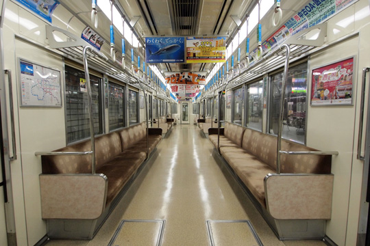 20120826_osaka_subway_66-in01.jpg