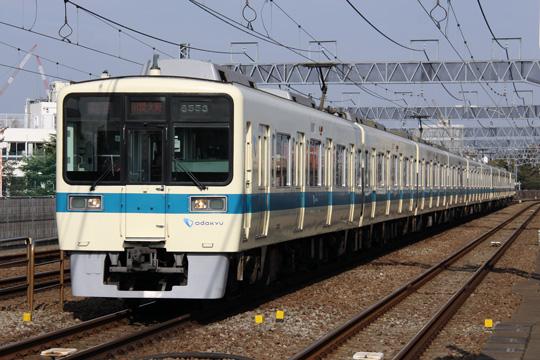 20121124_odakyu_8000-02.jpg
