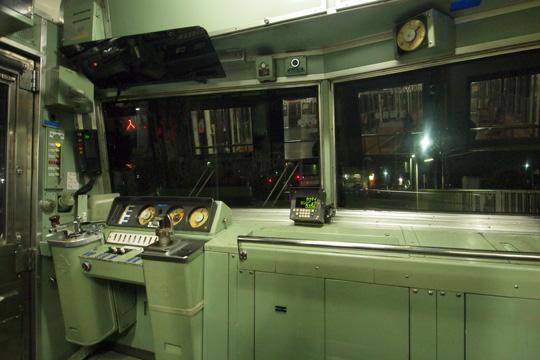 20121124_seibu_3000-cab01.jpg