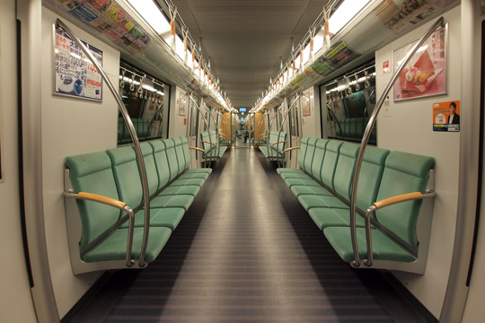 20130104_fukuoka_subway_3000-in01.jpg