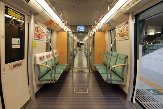 20130104_fukuoka_subway_3000-in09.jpg