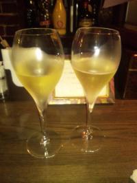 シャンパンアンリオ