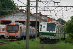 Balai Yasa Manggarai(2011.11.22、敷地外から撮影)