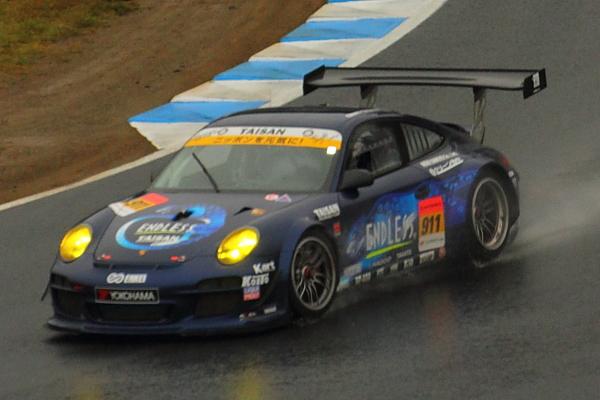 2012Rd8GT300中盤トップ