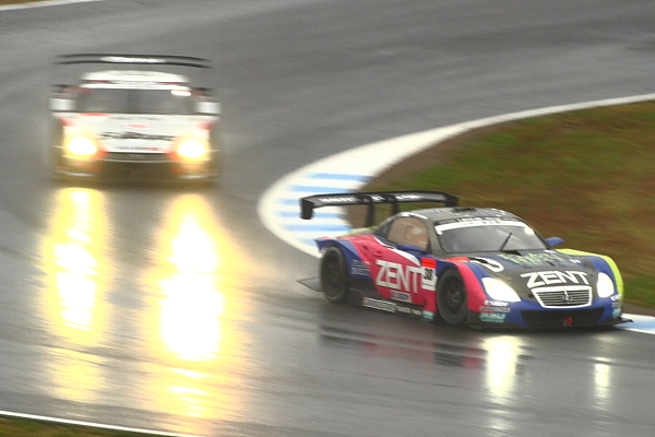 2012Rd8終盤GT500#38VS#1