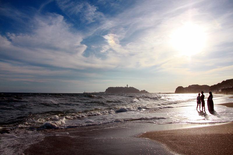 海と光に包まれて
