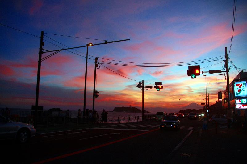 富士山と交差点