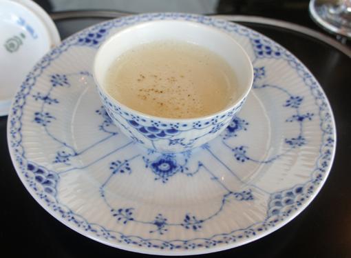 20111003 うかい亭 スープ 18cmDSC03085