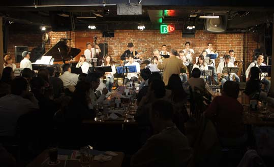 20111217 Harlem Band 19cmDSC05656