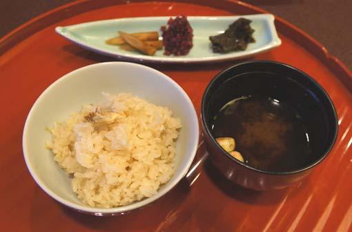 20120909 美濃吉8 釜炊きたい御飯 18cm DSC03080