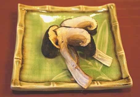 20120909 美濃吉2 焼き松茸2 16cm DSC03027
