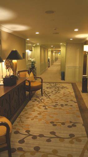 20121024 oriental hotel lobby 10cm DSC05090