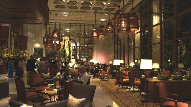 20121024 oriental hotel main lobby 21cm DSC05092