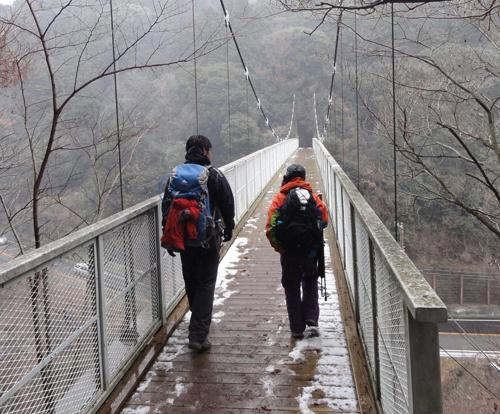10縦走訓練吊り橋