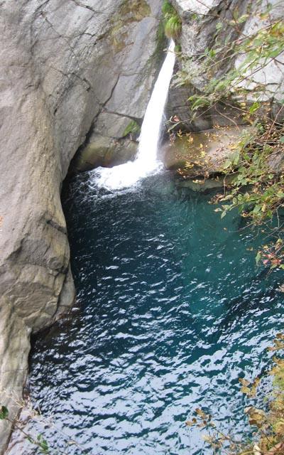 とどろの滝2