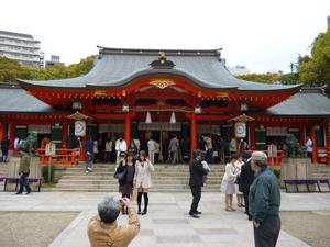 生田神社拝殿blog01