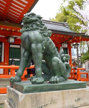 生田神社狛犬blog02