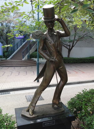 燕尾服の紳士blog01