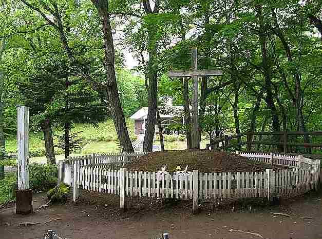 お墓と伝承館